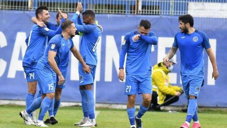 Невероятен гол на Пашов донесе успеха на Академика над Виторул