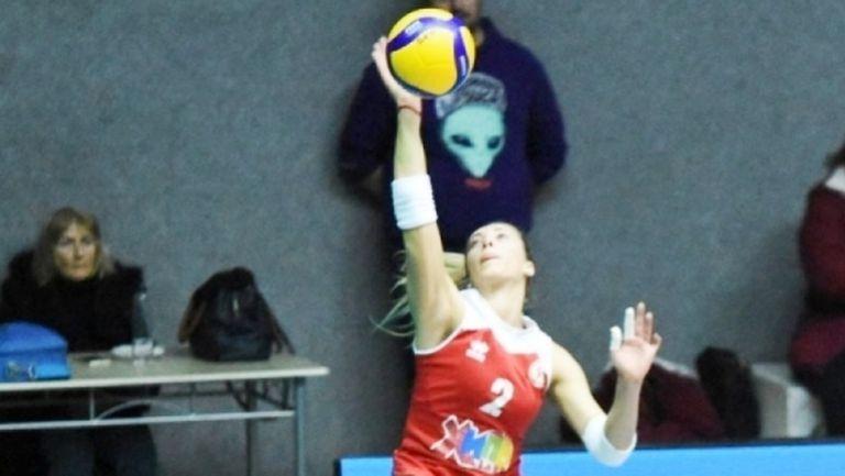 ЦСКА даде само гейм на Локомотив на старта при жените