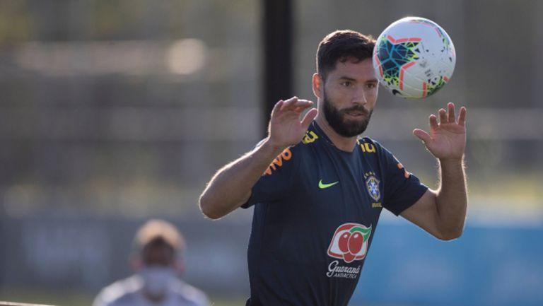 Играчи на Севиля и Атлетико викнати по спешност в националния на Бразилия