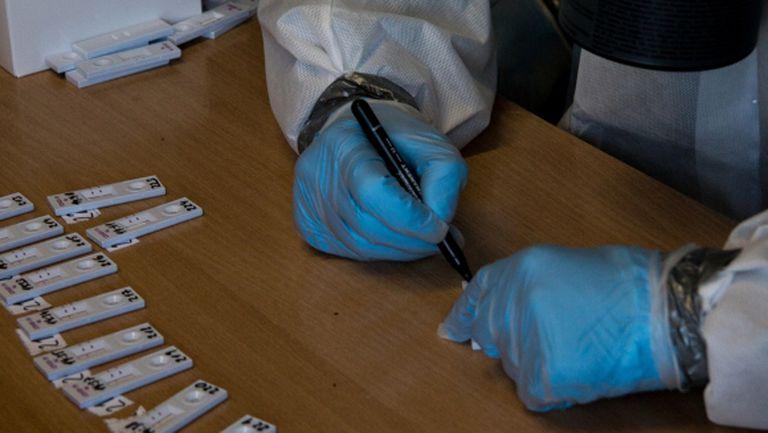 Разследват лабораторията с отрицателните тестове на Лацио