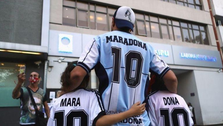 Марадона преодолява абстинентните симптоми и може да бъде изписан до дни
