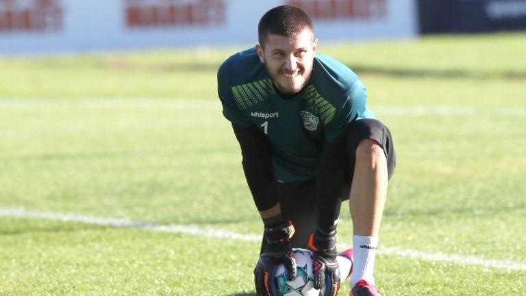 Вратарят на Бероe бе повикан в лагера на България за мачовете с Финландия и Република Ирландия