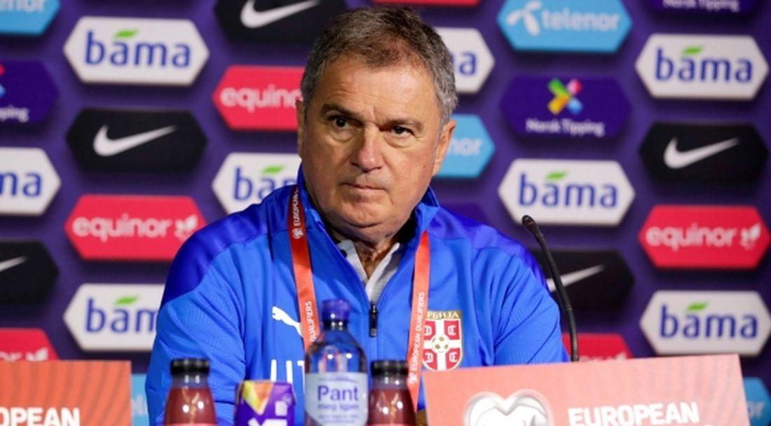 Селекционерът на Сърбия обвини играчите и се скара на журналист след загубата от Шотландия
