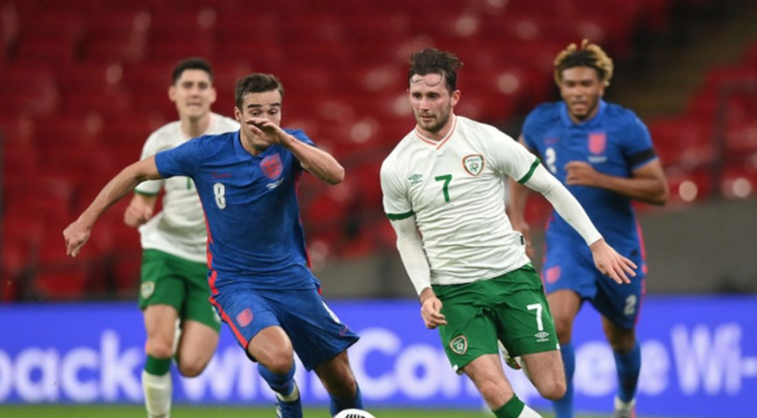 Позитивен за COVID-19 е играл и срещу англичаните