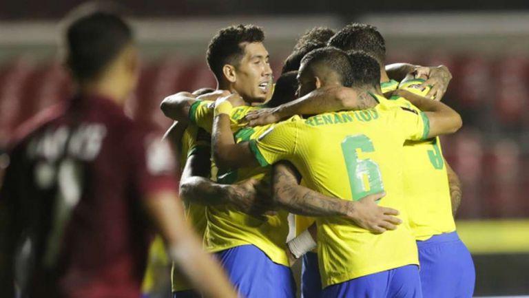 Бразилия продължава без грешка в световните квалификации