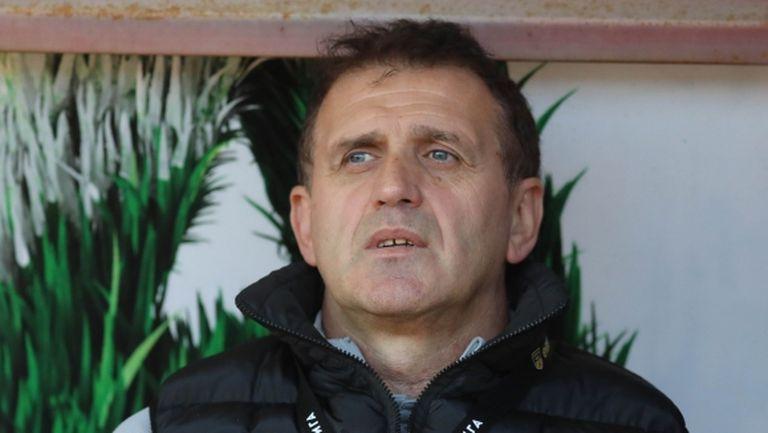 Проблеми за Акрапович преди дербито с Левски