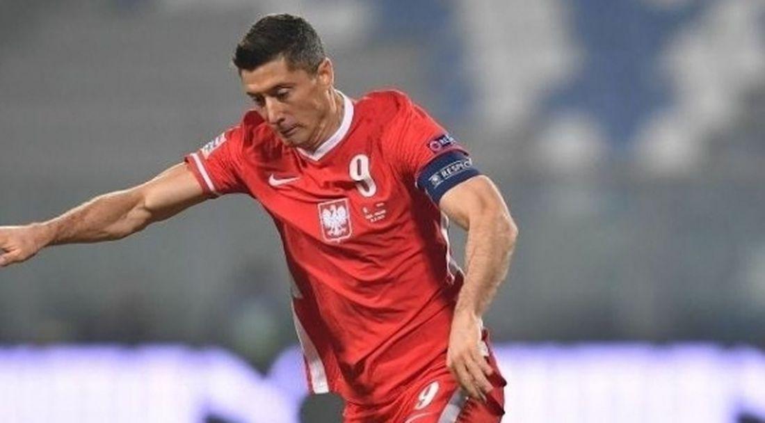 Левандовски под въпрос за мача срещу Нидерландия
