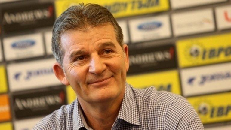 Костадинов: Трябва да се дава повече шанс на наши футболисти