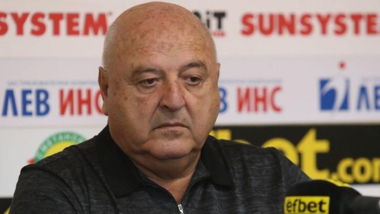 Стефанов: Пожелавам на Томаш да вдигне Етър, но не срещу нас
