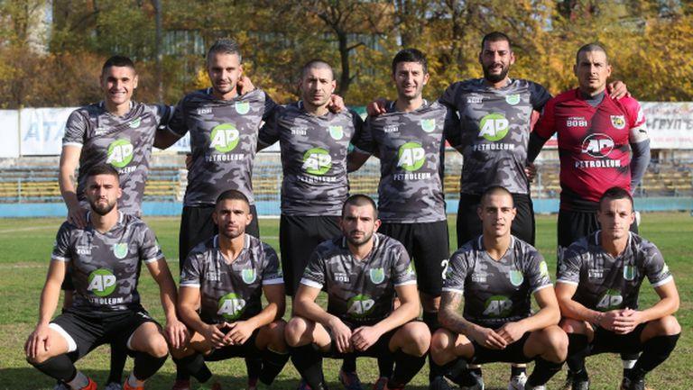 Иван Стоянов с два гола за победа на Загорец