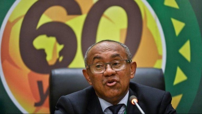 Президентът на Африканската конфедерация отстранен от футбола