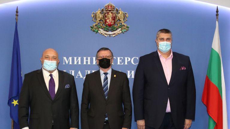 Българският спорт с Отворено писмо до Бойко Борисов, Костадин Ангелов и Красен Кралев