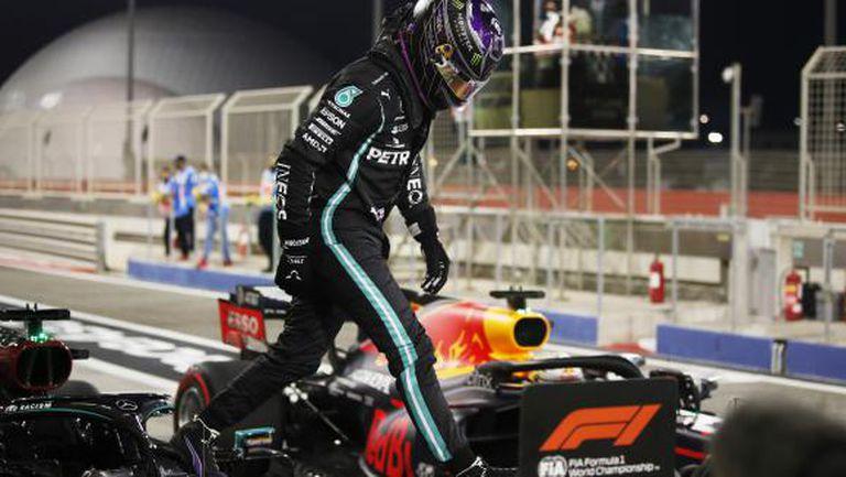 Хамилтън спечели квалификацията за Гран При на Бахрейн