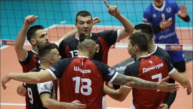 Български волейболист ще продължи кариерата си в Турция