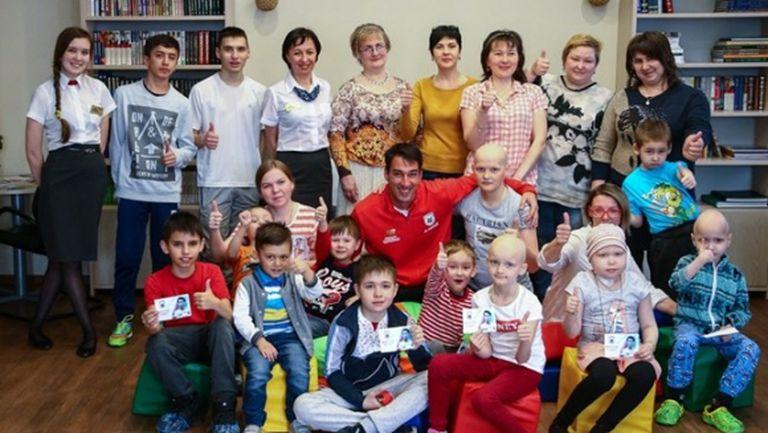 Попето зарадва онкоболни деца в Казан