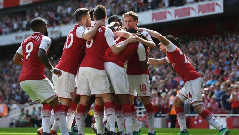 Настроението в Арсенал се върна след новината за Венгер и преди полуфинала с Атлетико (видео)