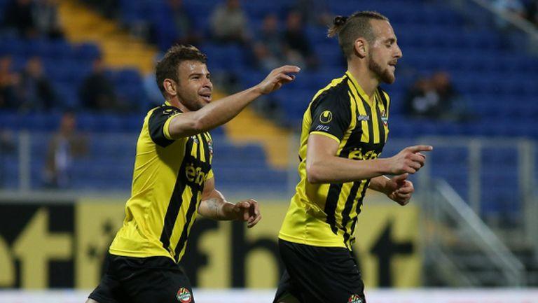 Стивън Петков: Не можем да се уцелим, винаги вкарваме по 2 гола и пак ни бият