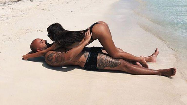 Ники и Николета се разгорещиха на плажа (снимки)