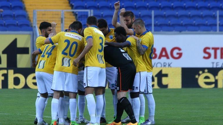 Трима футболисти на Верея пропускат домакинството срещу Левски