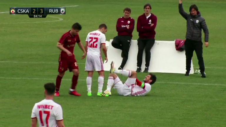 Манолев с тежка травма в мача срещу Рубин