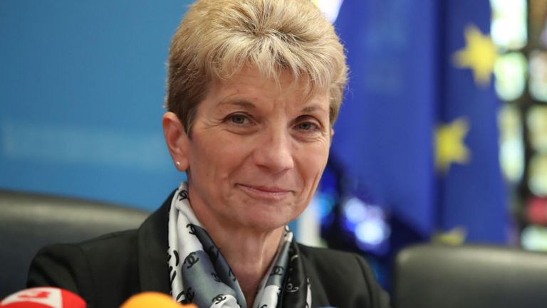 Министър Дашевa: Ще има конкурс за базите на ЦСКА