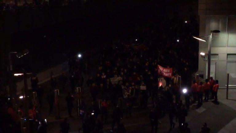 Шествие и протест срещу Венгер преди Арсенал-Байерн