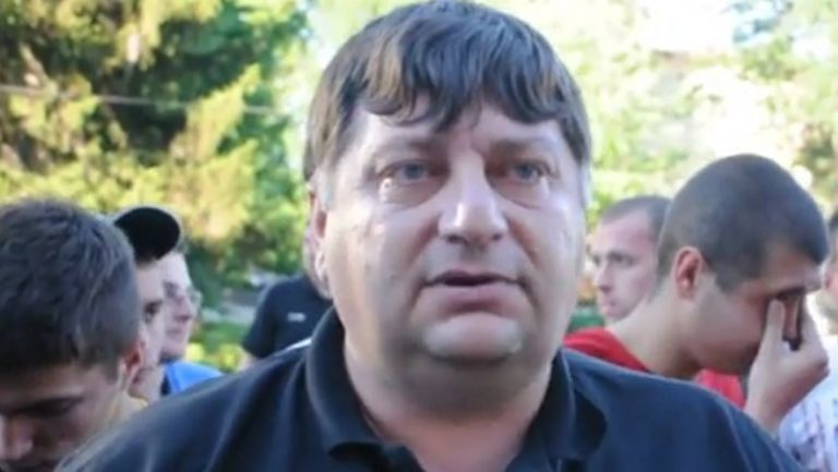 Арестуваха тартора на Миньор Пешо Буферо - гръмнал побойник от Пазарджик в очилата (видео)