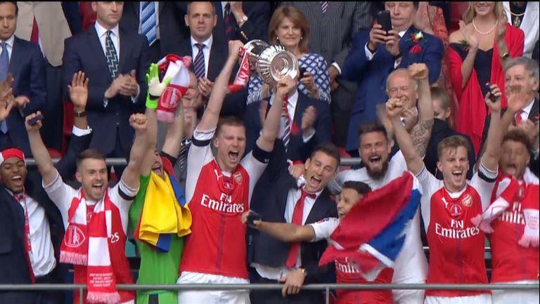 Арсенал спаси сезона с FA Cup