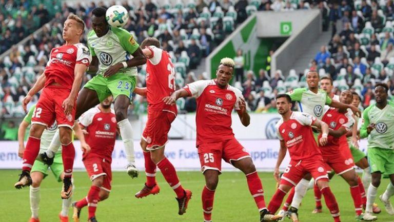 Волфсбург заприлича на отбора от миналия сезон