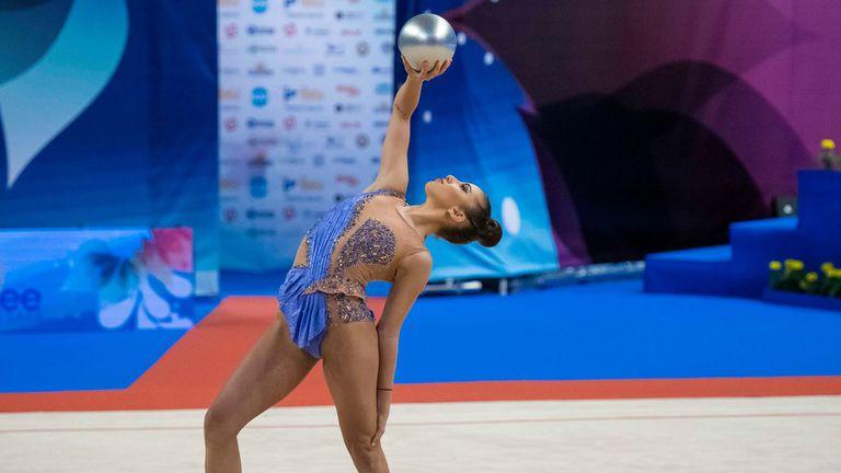 Катрин Тасева и Боряна Калейн се класираха за финалите на обръч и топка на Европейското