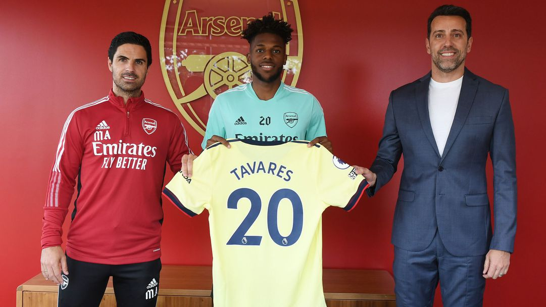 Арсенал обяви официално Тавареш