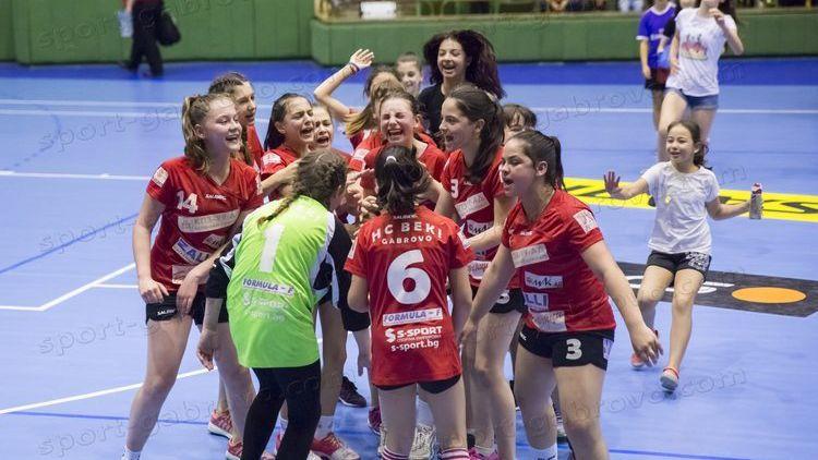 Бъки победи Спартак Плевен в женското хандбално първенство