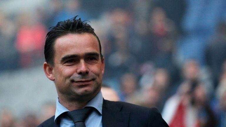 Овермарс става директор в Арсенал