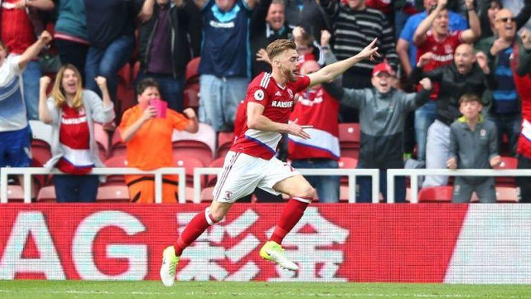 Калъм Чембърс остава в Арсенал до 2021 година