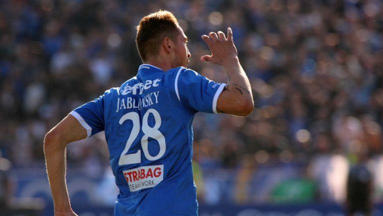 Яблонски - защитник №1 по голове в Европа