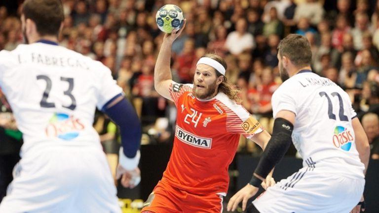 Дания загря за Европейското по хандбал с голям триумф пред собствена публика (видео)