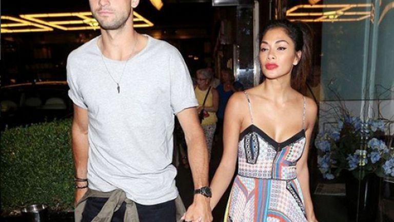 И Гришо, и Никол са в Лондон, но тя купонясва с друг мъж… (снимка)
