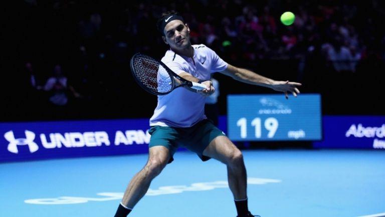 Федерер избягва колегите си