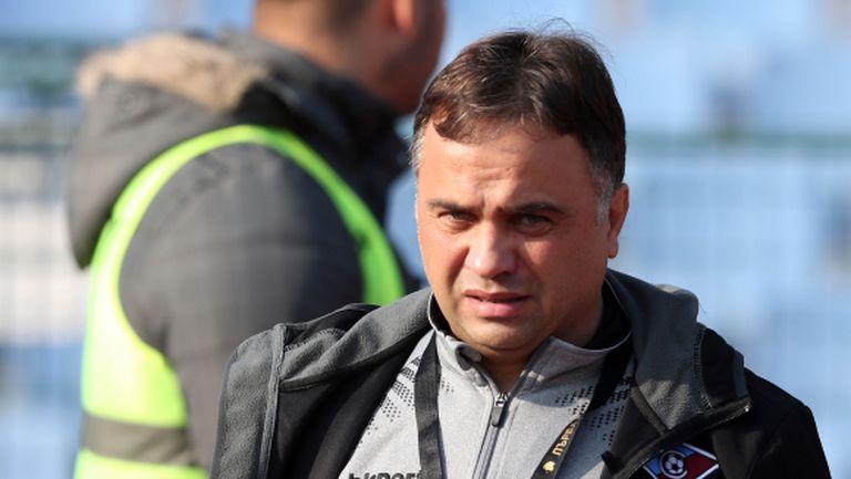 Николай Митов отпрати доведен на проби от Велислав Вуцов