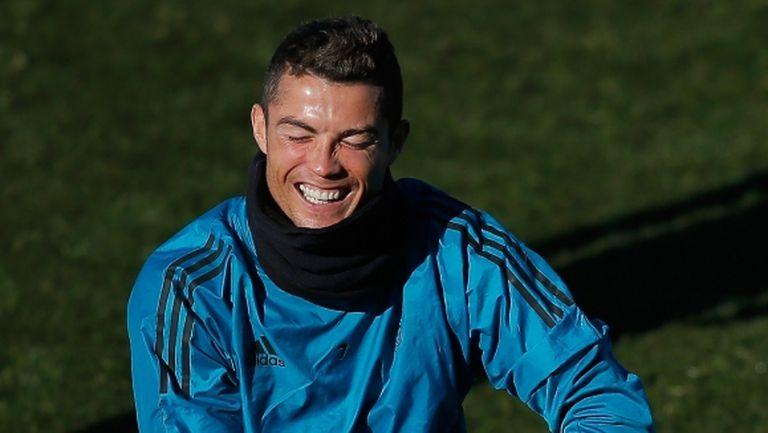 Кристиано тренира отделно два дни преди мача