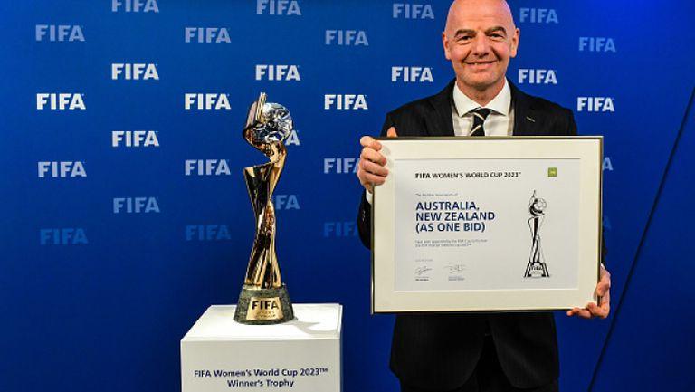 Инфантино остава начело на ФИФА, докато го разследват