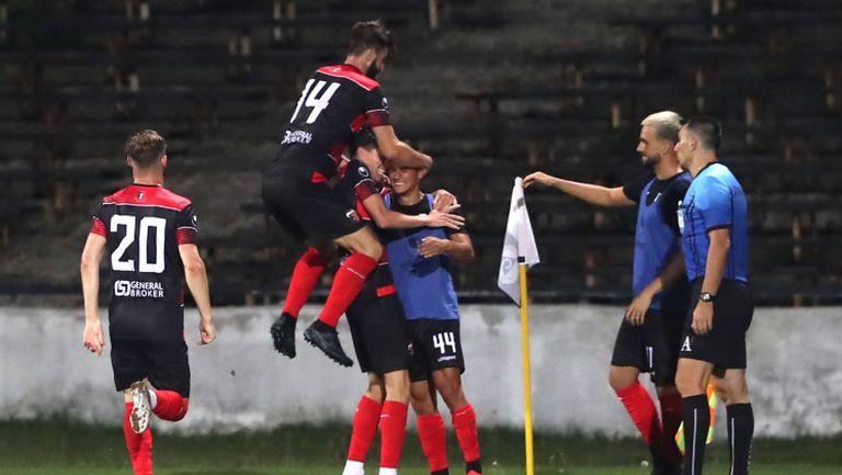 Карагарен с феноменален гол срещу Славия