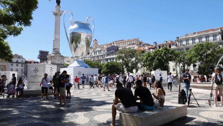 Фенове на ПСЖ и Байерн Мюнхен окупираха Лисабон