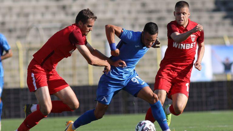 """Левски се сгромоляса срещу Царско село, загуби с 0:1 на """"Герена"""""""