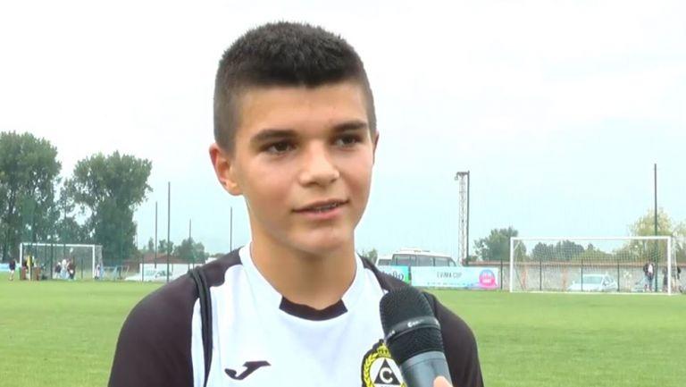 Валери Божинов - младши: Искам да бъда по-добър от баща си