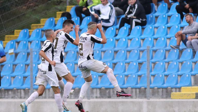 С втория си гол в мача Стефанов направи резултата разгромен за Локо срещу Септември