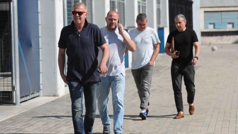 """Левски не успя да плати задълженията, """"сините"""" се надяват на отсрочка"""