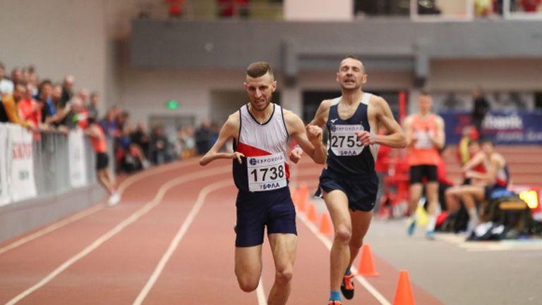 Християн Стоянов и Лиляна Георгиева с титлите на 1500 м