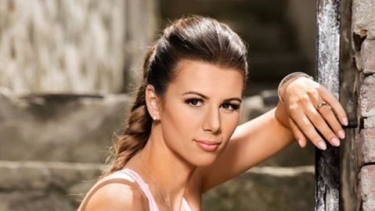 Цветана Пиронкова - Майка на корта