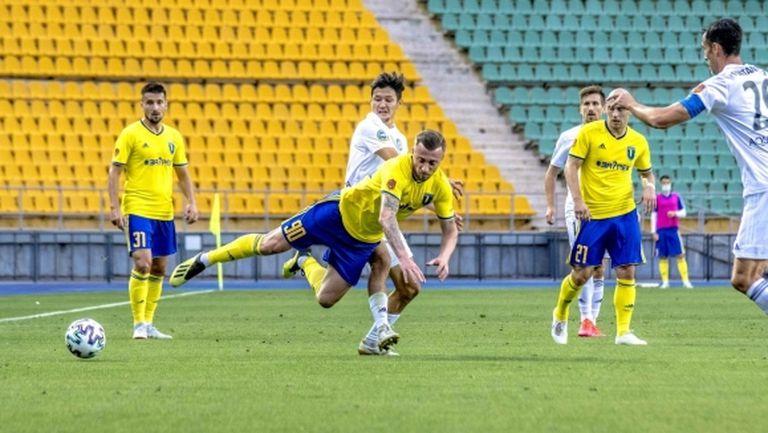 Мартин Тошев вкара гол, но отборът му допусна обрат от 2:0 (видео)